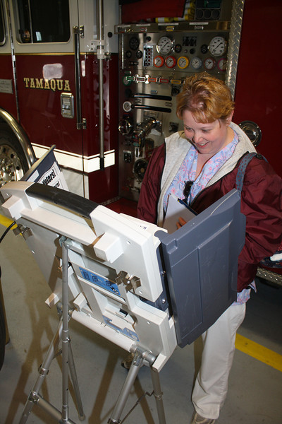Voting at Polls, East End Fire Company, Tamaqua (4-24-2012)