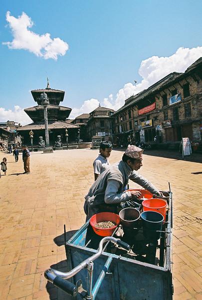 Popcorn seller in Dattatraya Square, Bhaktapur