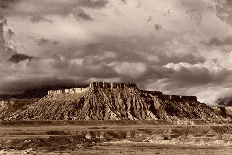 Caineville Mesa, South, Utah