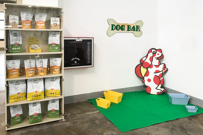 lucca-veganfest-dog-bar.jpg