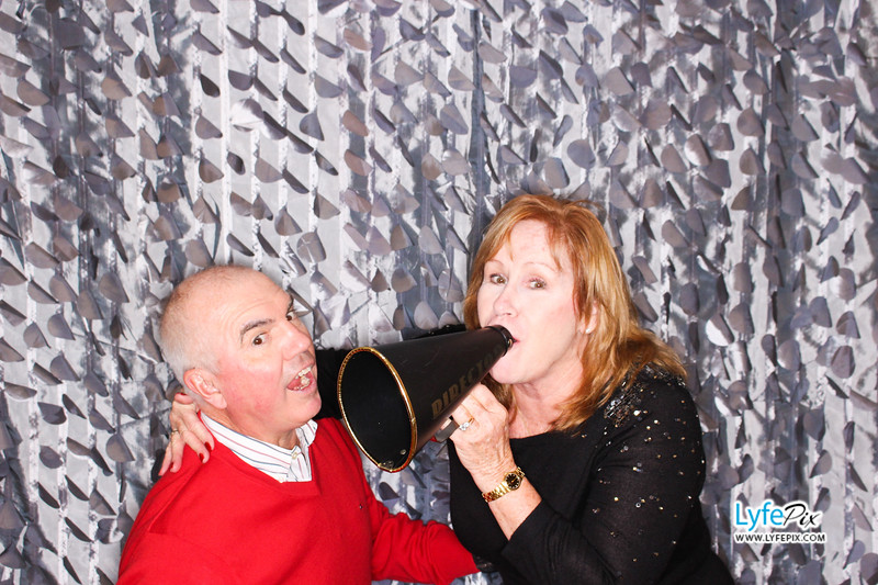red-hawk-2017-holiday-party-beltsville-maryland-sheraton-photo-booth-0226.jpg