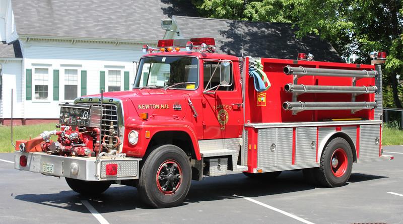 Retired   Tanker 4   1983 Ford / 4 Guys   1000 / 1850