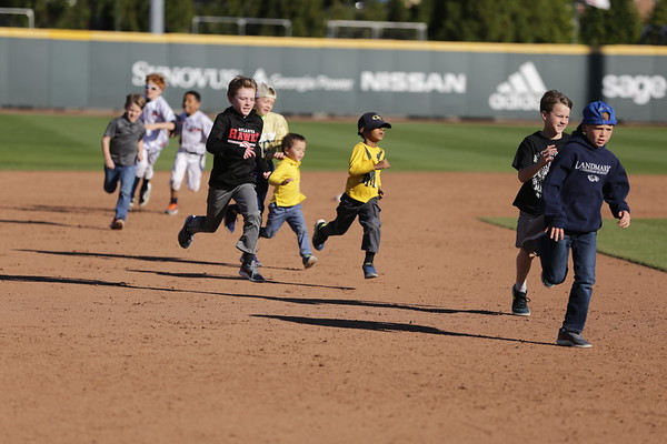 03.04.2018 Kids run the bases
