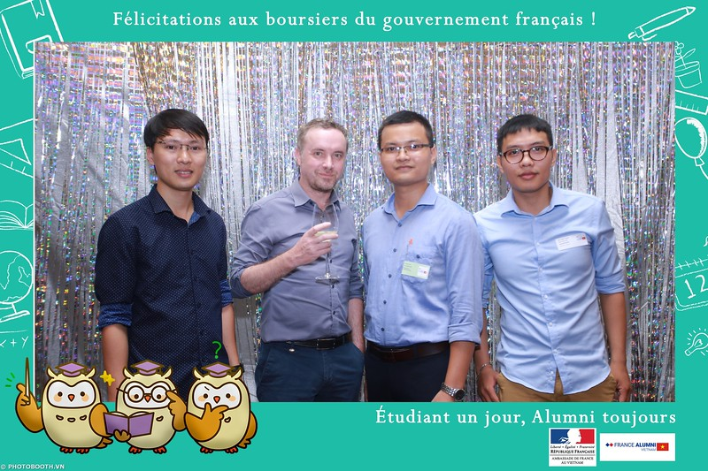 France-Alumni-Vietnam-photobooth-at-Franch-Embassy-Vietnam-photobooth-hanoi-in-hinh-lay-ngay-Su-kien-Lanh-su-quan-Phap-WefieBox-photobooth-vietnam-034.jpg
