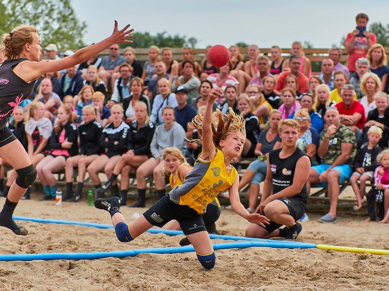 Molecaten NK Beach Handball 2017 dag 1 img 488.jpg