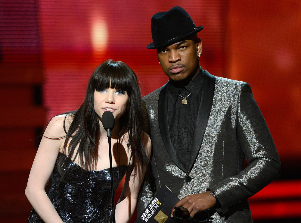 Description of . Singers Carly Rae Jepsen (L) and Ne-Yo speak onstage at the 55th Annual GRAMMY Awards at Staples Center on February 10, 2013 in Los Angeles, California.  (Photo by Kevork Djansezian/Getty Images)
