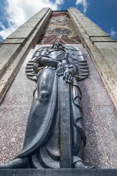 monument statue 2000.jpg