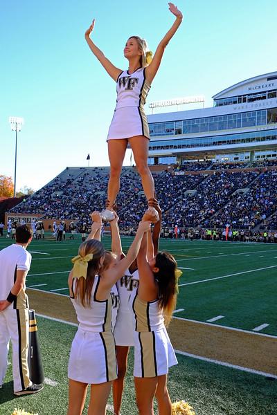 Cheerleaders 01.jpg