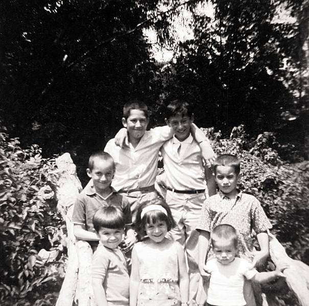 Kenny,George, Rollie,Tim,Colleen,Norm Eddie 1963 at the Zoo.JPG