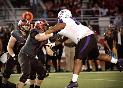 #72 BRANDON FLOORES, UIW CARDINALS FOOTBALL