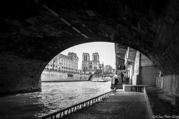 4b- La Seine, Notre Dame (B&W)