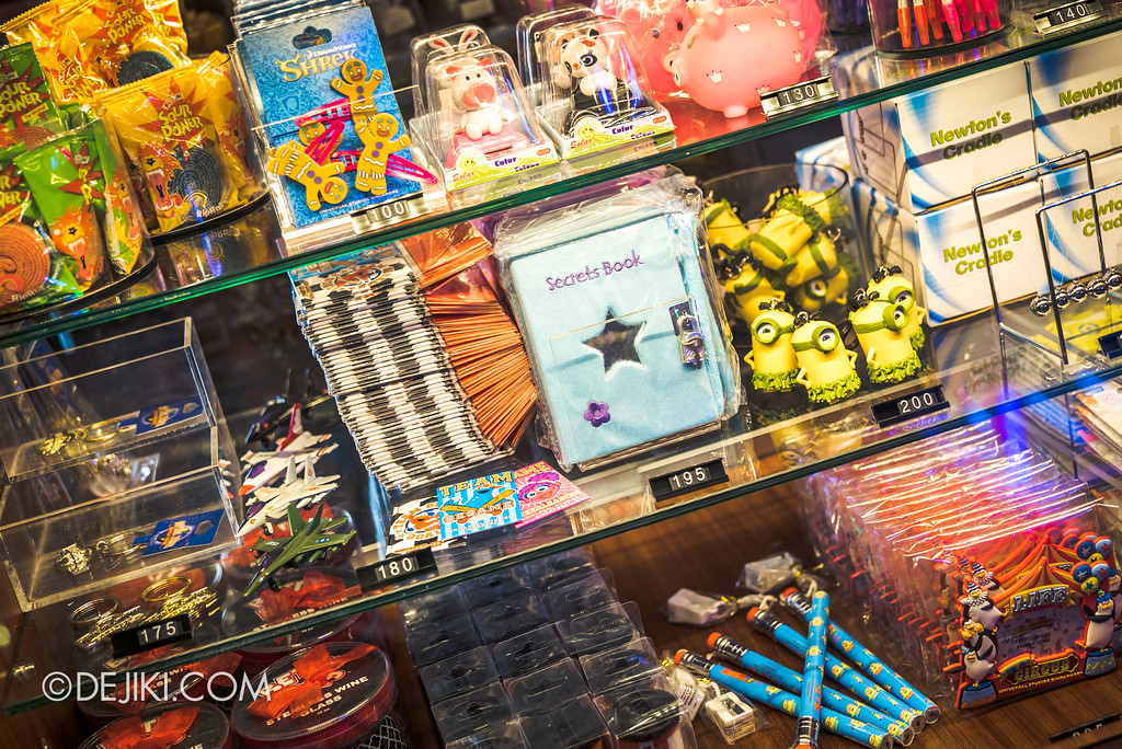 Universal Studios Singapore - Hollywood China Arcade / Arcade Prizes