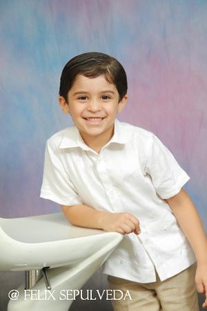 Niño Anna Nuñez