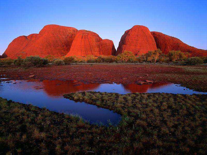 Kata Tjuta (The Olgas) at Sunset, Uluru-Kata Tjuta National Park, Australia.jpg