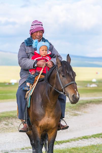 Song Kol Horse Trek-6106826.jpg