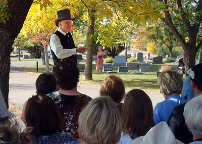 Robert Evans (1840-1929) discussed the finer points of his ditch-digging project in Spearfish.  Evans was portrayed by Jim Hood.