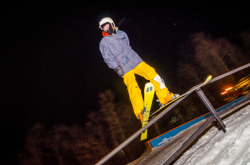 Nighttime-Rail-Jam_Snow-Trails-165.jpg