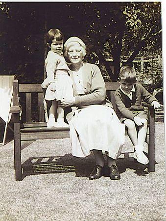 Grandma Steve and Julia.jpg
