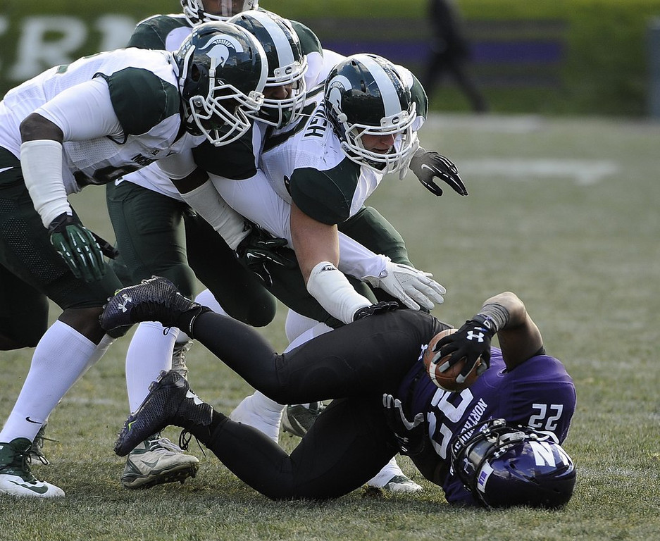 ". <p>4. NORTHWESTERN WILDCATS <p>Hoping to join a union, so they can get paid like all of the players in the SEC. (unranked) <p><b><a href=\'http://www.twincities.com/sports/ci_25009341/northwestern-football-players-seek-form-union\' target=""_blank\""> HUH?</a></b> <p>   (David Banks/Getty Images)"