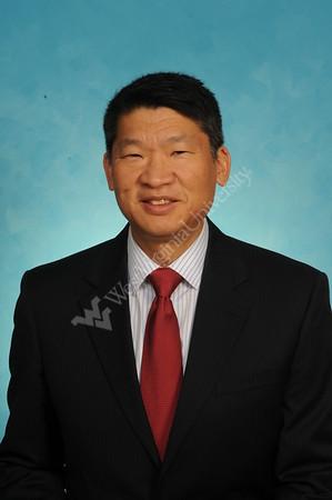 32838 Dr. Lawrence Wei HVI Medicine Portrait Nov 2016