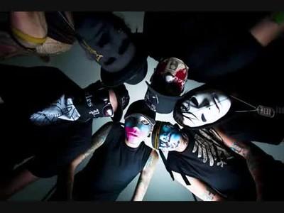 Hollywood Undead 04/28/09