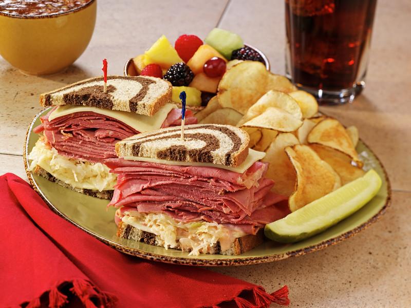 corned beef sandwich.jpg