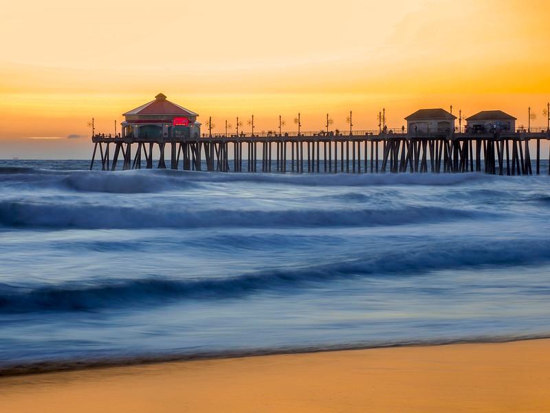 Huntington Beach Pier-21.jpg