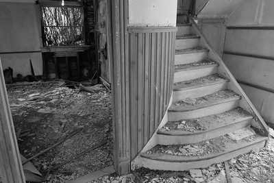 Main stairway and side room of Cushman house, Mockhorn Island, VA. © 2020 Kenneth R. Sheide