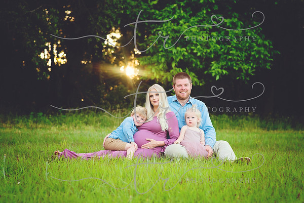 Tess anf Family~Maternity
