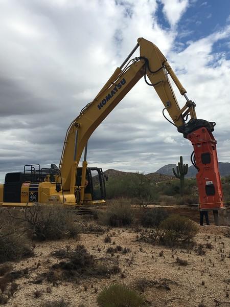 NPK GH18 hydraulic hammer on Komatsu PC490LC excavator - trenching 2017 (9).JPG