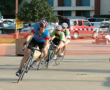 additional photos of the women's Cat 3 race by Jerry Hougen
