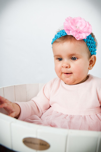 Lily at 6 months-4727.jpg
