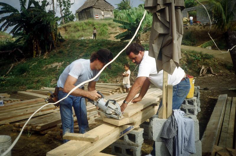 1989 Roatan Honduras Mission Trip-0025.jpg