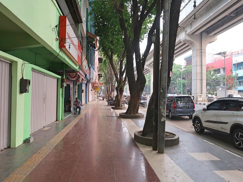 IMG_2743-jalan-jendral-sudirman-footpath.jpg