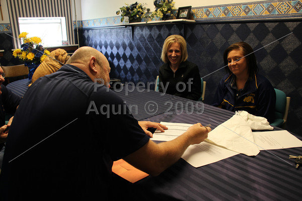 sam signs with hcc . 4.17.12