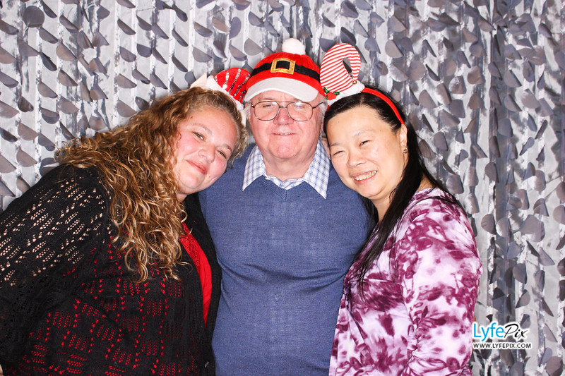 red-hawk-2017-holiday-party-beltsville-maryland-sheraton-photo-booth-0290.jpg