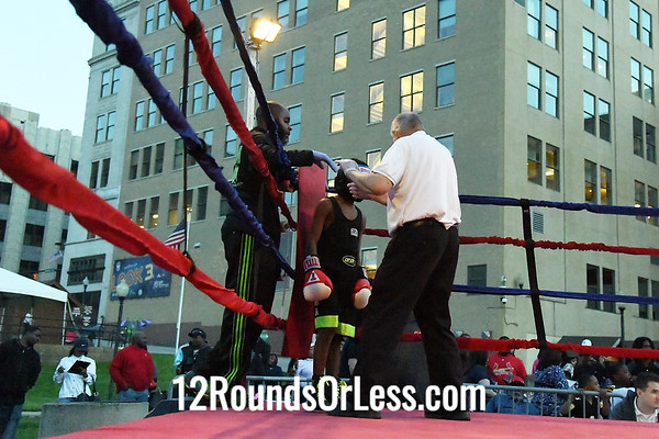 Bout #8:  Cardiaire Davis, Blue Gloves, 10 yr., 73 Lb. -  vs  -  Glenn Grisby, Red Gloves, 12 yr., 75 Lb.