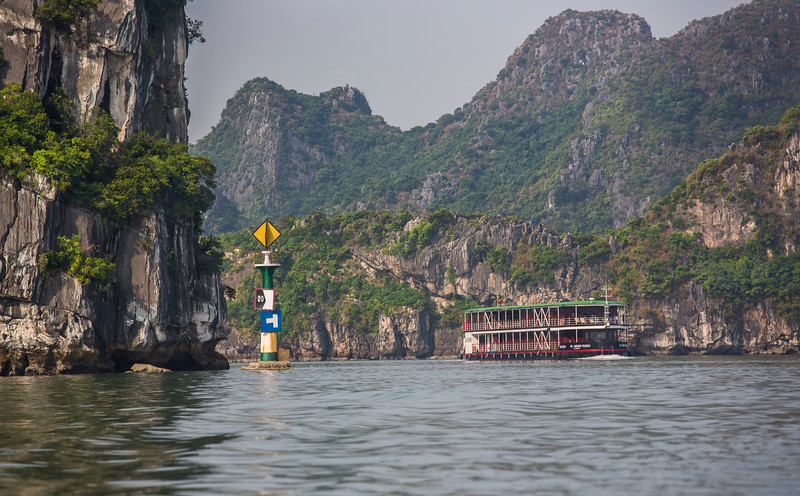 halong-bay--red-river_32187490293_o.jpg