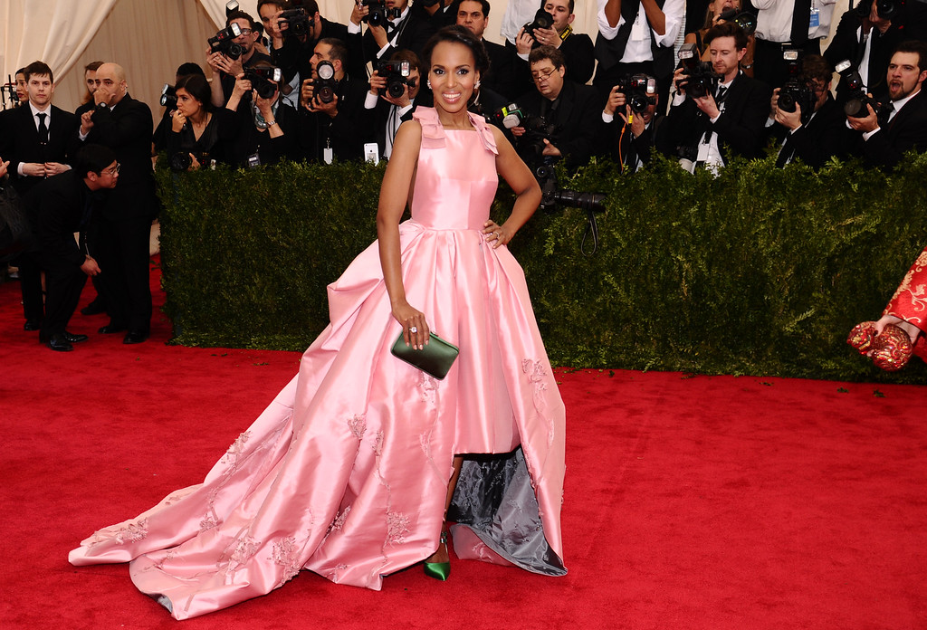 ". Kerry Washington arrives at The Metropolitan Museum of Art\'s Costume Institute benefit gala celebrating ""China: Through the Looking Glass\"" on Monday, May 4, 2015, in New York. (Photo by Charles Sykes/Invision/AP)"