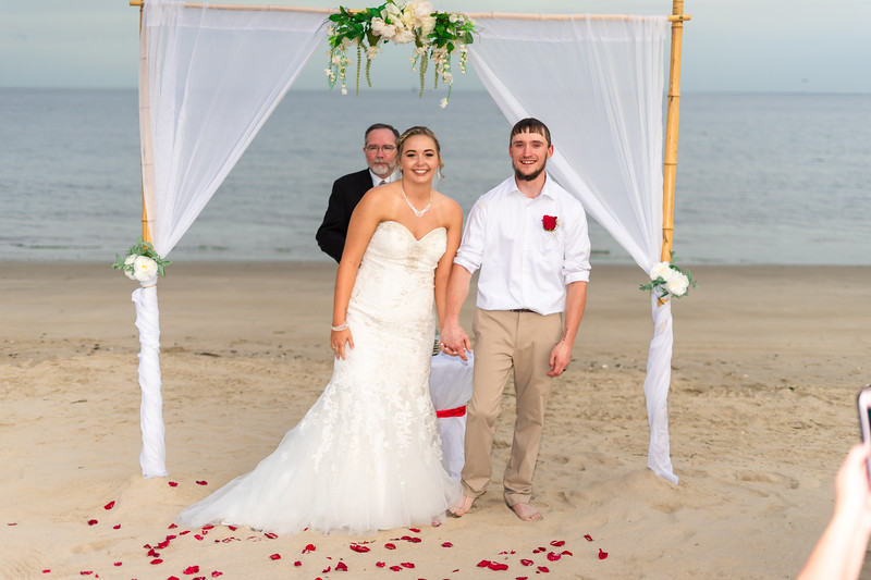 VBWC BEIL 09042019 Buckroe Beach Wedding Image #48 (C) Robert Hamm.jpg