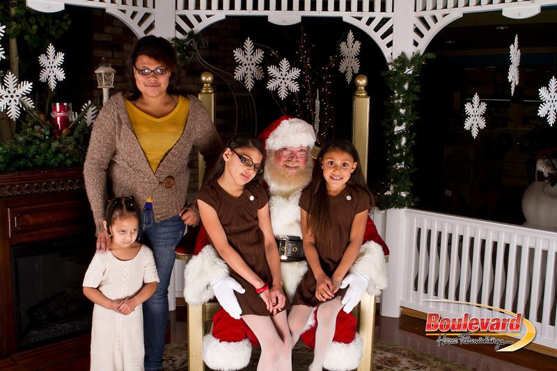 Santa Dec 15-319.jpg