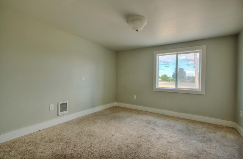Garage room 1.jpg