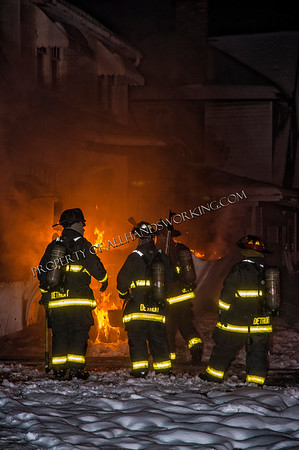 Detroit, MI - Dexter and Fenkell bus fire with extension to a dwelling