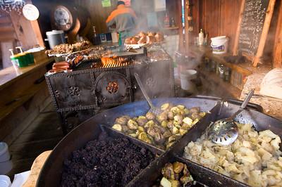 Sidewalk food stall serving local cuisine, Gubalowka Hill, Zakopane, Tatra Mountains, Podhale Region, Poland