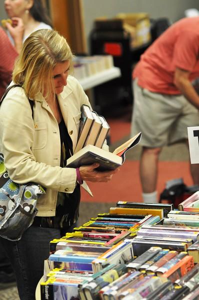 FOHO Blockbuster Booksale #10.jpg