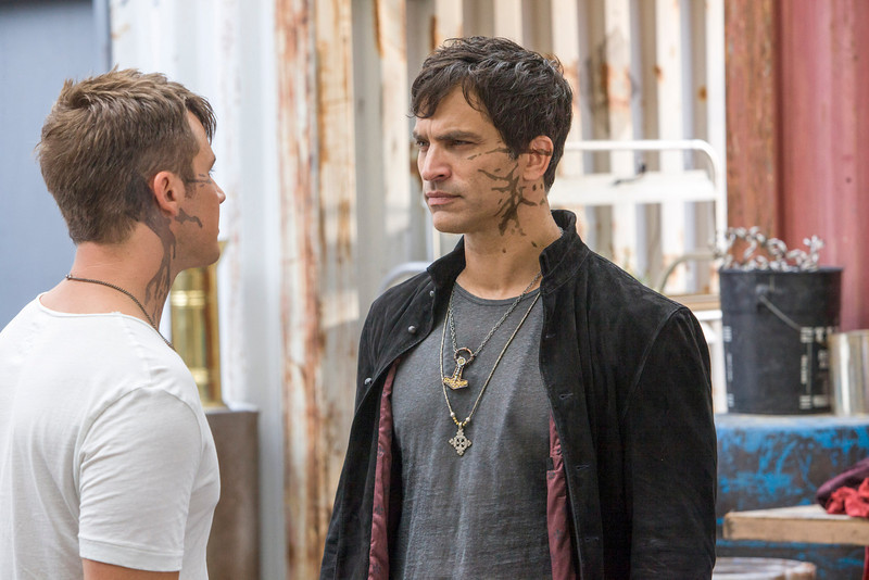 ". Star Crossed -- ""Our Toll Shall Strive to Mend\"" --  Image Number: STA103a_0417.jpg -- Pictured (L-R): Matt Lanter as Roman and Johnothan Schaech as Castor. (Photo by Skip Bolen/The CW)"