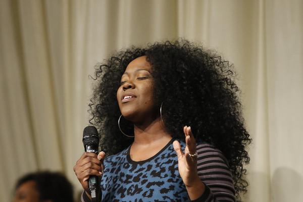 Sister Cotton sings