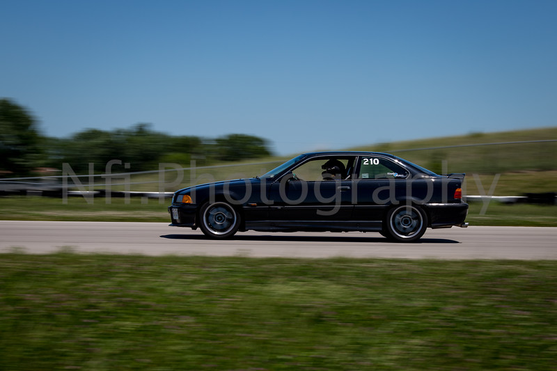 Flat Out Group 2-396.jpg