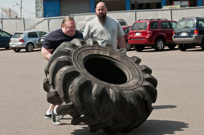 Strongman Saturday 4-14-2012_ERF4101.jpg