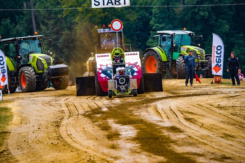 Tractor Pulling 2015 BZ-02347.jpg